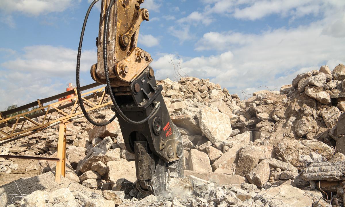 Навесное оборудование для сноса зданий и сооружений